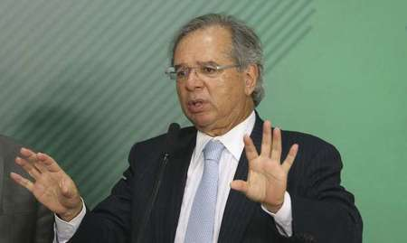 Left or right paulo guedes