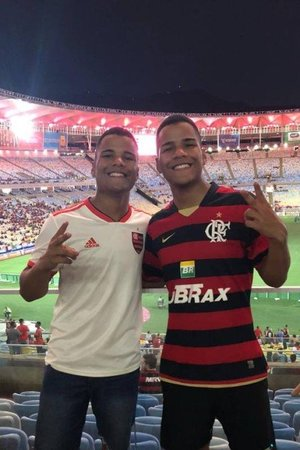 Left or right xdiego diogo lima.jpg.pagespeed.ic.qmt smaekj