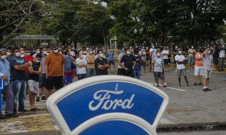 Left or right x91160846 ec taubatespfechamento das fabricas da ford no brasil . foto edilson dantaso globo.jpg.pagespeed.ic.upsoqykplv