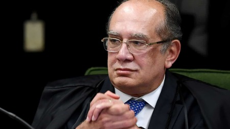 Left or right gilmar mendes